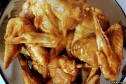 Куриные крылышки со спагетти с медом